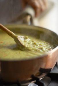 split pea soup ready to serve